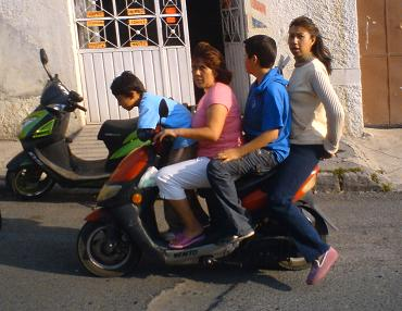 20100507022449-517628-moto-4.jpg.jpg